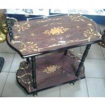 Декоративный столик сервировочный